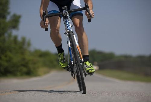クロスバイク ロードバイク 違い
