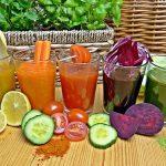 「野菜ジュース」と「スムージー」の違いは何?